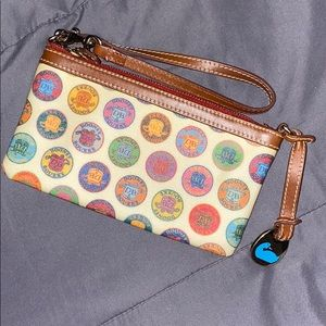 ‼️new authentic Dooney & Bourke wristlet